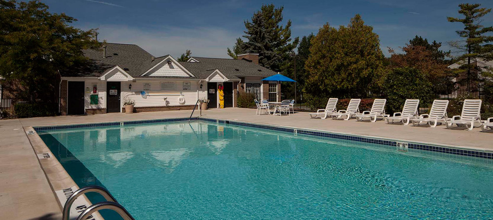 Rochester hills pool apartments