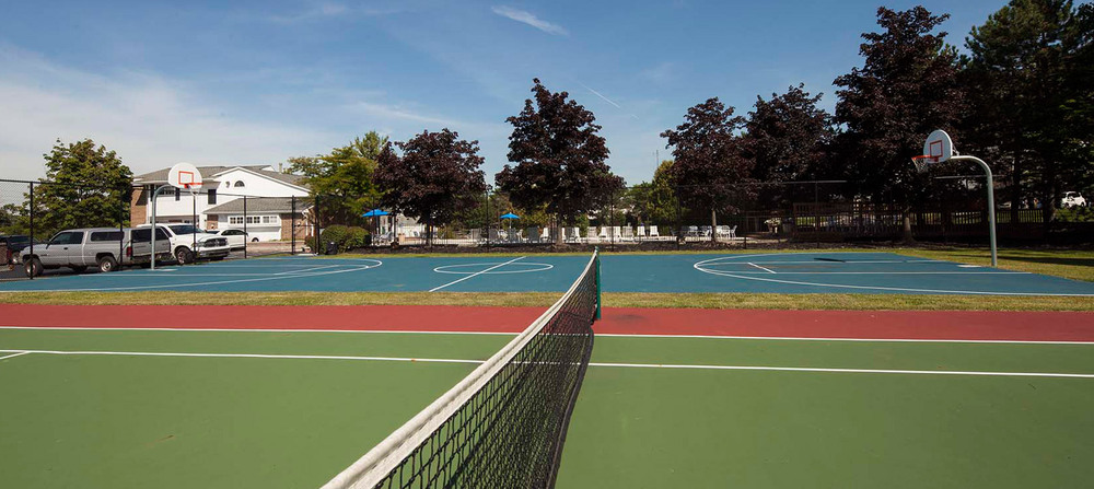 Sport court apartments in rochester hills