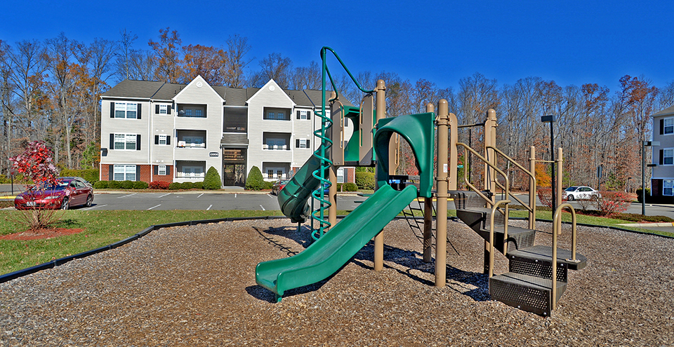 Playground at creekpointe apartments in midlothian virginia
