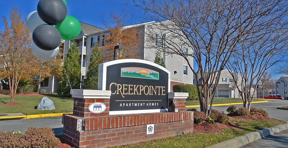 Sign for creekpointe apartments in midlothian virginia
