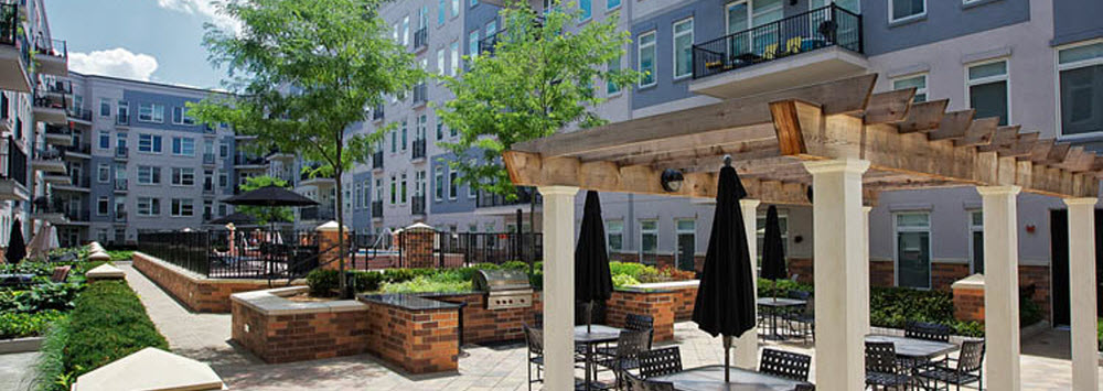 Hoboken luxury apartments outdoor lounge