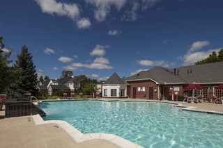 Large pool area apartments commerce township