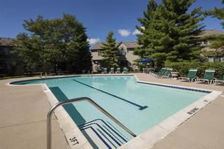 Refreshing swimming pool novi apartments