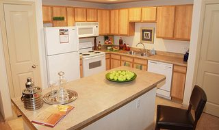 Modern kitchen at pearland apartments