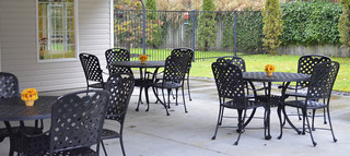 Outside dining at arlignton senior living community