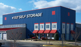 Chantilly self storage facility