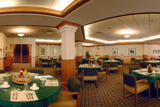 Sonora senior living dining room
