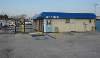 Baltimore self storage office exterior