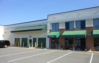 Self storage loading area in rockville