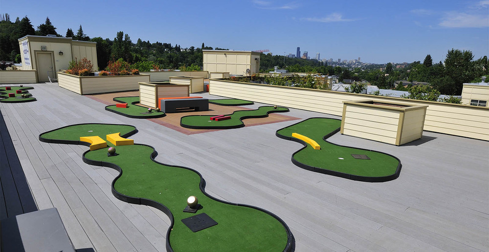 Seattle senior living roof top golf course