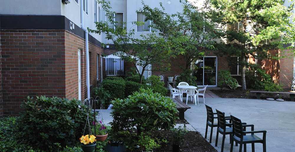 Senior living apartment grounds in kent