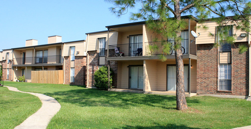 Facade with path at Baytown apartments