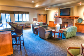 Copper canyon lounge at vancouver senior living
