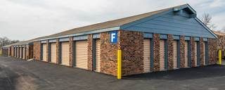 Gladstone self storage with drive up units