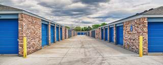 Clean maintained facility at self storage in lakewood