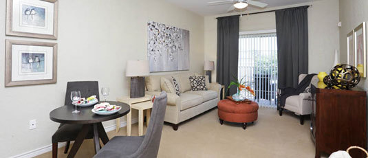 Spacious living room at Kingwood senior living