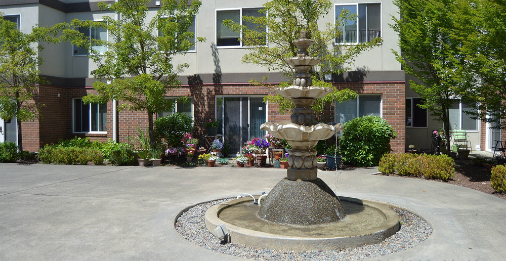 Apartment building fountain feature in federal way