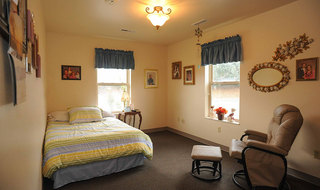 Yakima senior living bedroom