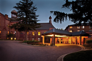 Senior living in sioux falls front entrance the evening