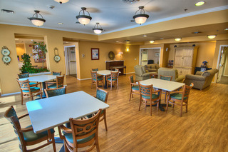 Senior living in sioux falls memory care dining area