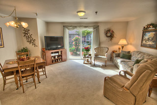 Sioux falls senior living comfortable room