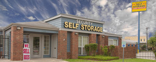 Exterior of self storage in san antonio