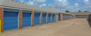 Driveup self storage in houston