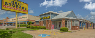 Houston self storage entrance and signage