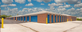 San antonio self storage has drive up units