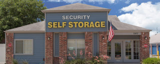 Exterior of entrance to self storage in austin