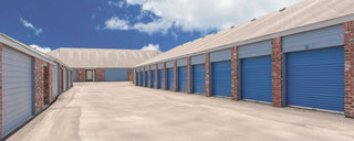 Wide driveways at austin self storage