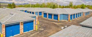 Large driveways at Westminster self storage