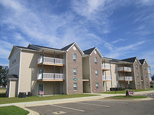 Raeford NC apartment and community amenities