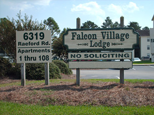 Information about the neighborhood surrounding apartments in Fayetteville