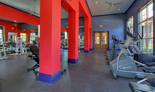 Houston apartment fitness center equipment