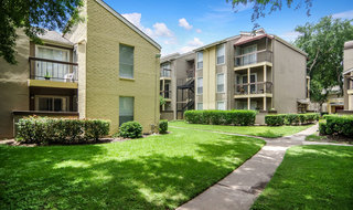 Exterior of apartments in houston