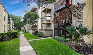 Private patios at apartments in houston