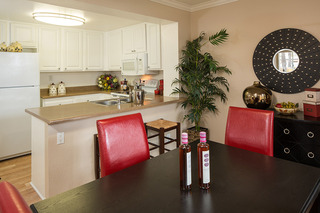 Apartments in Laguna Niguel table