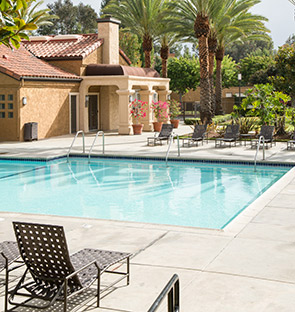 Laguna Niguel apartments swimming pool