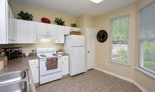 Raleigh apartments with modern kitchens
