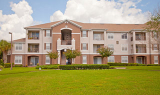 Exterior view of our apartments in Winter Springs