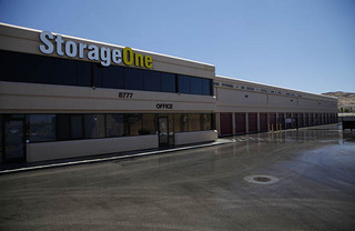 Self storage in las vegas building exterior