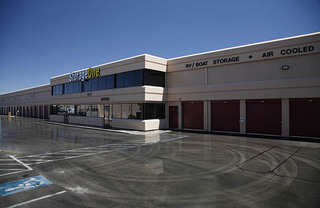 Self storage in las vegas exterior