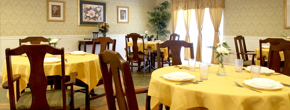 Elegant diningroom in Weatherly senior living