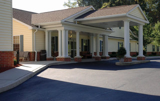 Boyertown senior living has a welcoming front entrance