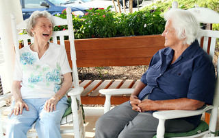 Lynchburg senior living enjoying the sunshine