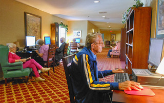 Weatherly senior living has a modern library