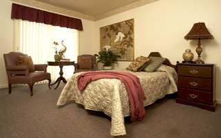 Spacious bedrooms in Weatherly senior living