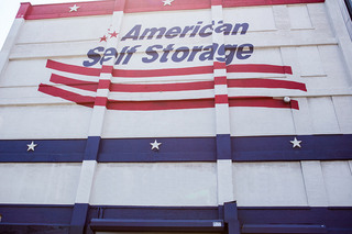 Brooklyn self storage exterior sign