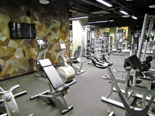 Apartments in Los Angeles have a weight lifting room